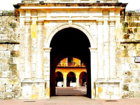 Cartagena de Indias: Baluarte y Muralla (Audioguide)