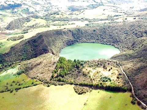 From Bogotá: Laguna de Guatavita Tour