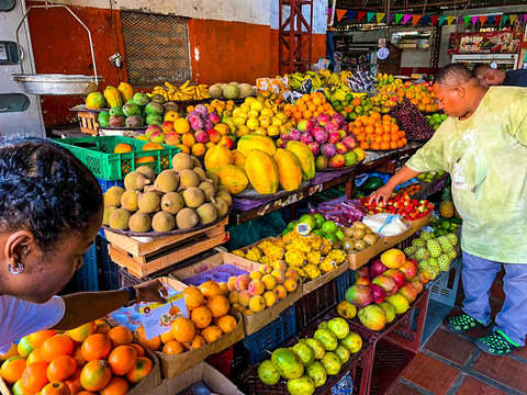 Cali in Tu Paladar: Tropical Fruit Tour