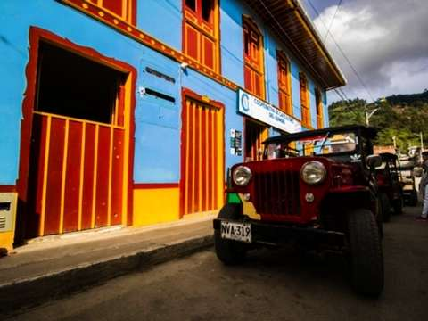 From Salento: Magical Town of Quindío, Nature and Coffee