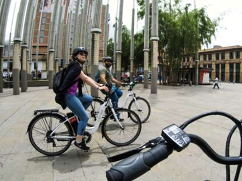 Tour by Medellín in Electric Bicycle