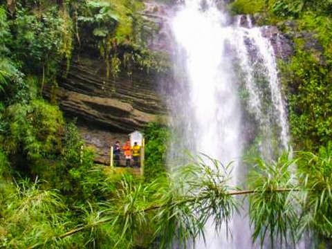 Visita a la Cascada Natural la Chorrera
