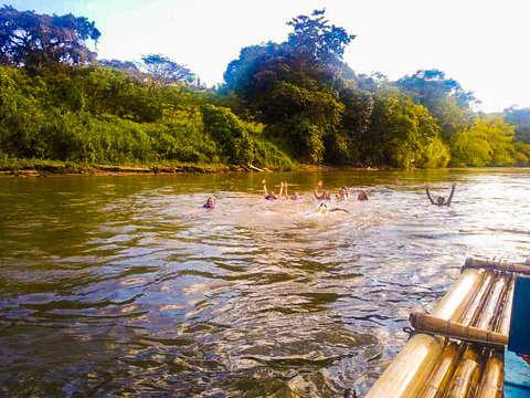 Pasadía Balsaje en Río la Vieja