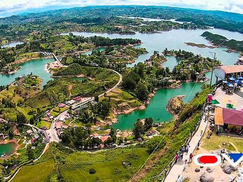 Tour Privado el Peñol y Guatapé desde Medellin