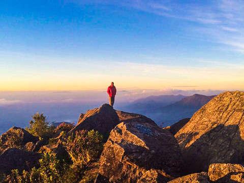 Caminata Pico de Loro